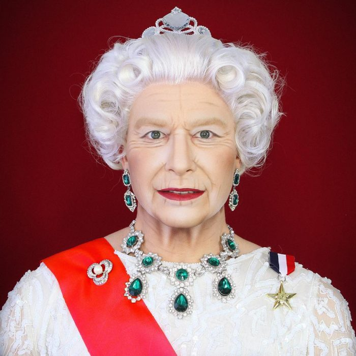 Señora con corona de reina
