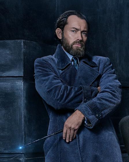 Jude Law como dumbledore en la película de Animales fantásticos