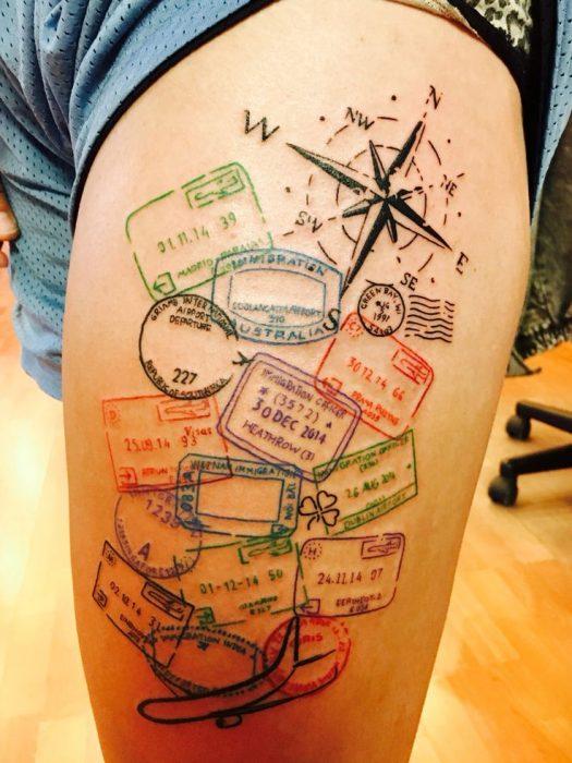 Tatuaje con sellos postales