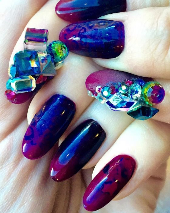 uñas con diseño marmoleado