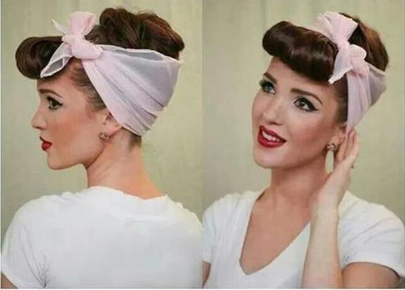 chica usando una banda en la cabeza