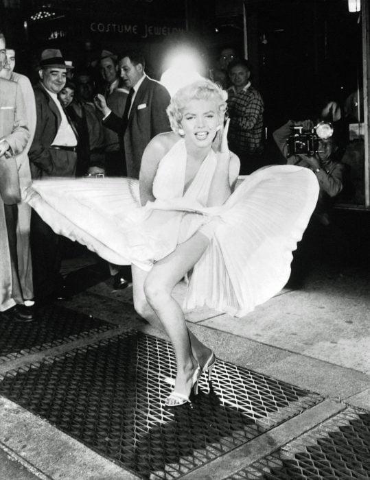 Marilyn Monroe usando un vestido de 5.6 millones de dólares