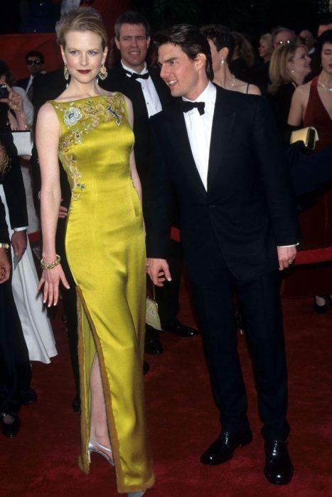 Nicole Kidman usando un vestido amarillo de 2 millones de dólares