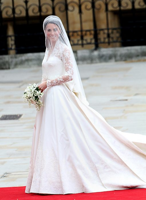 Kate Midelton usando un vestido de novia