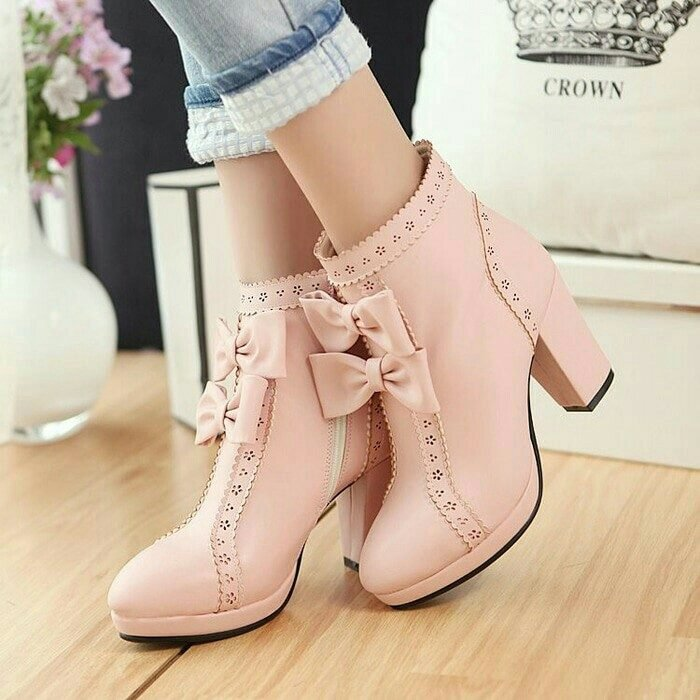 botas rosas con moños
