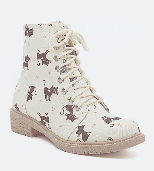 botas con gatos