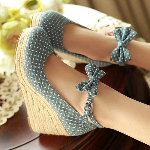 zapatos con moños
