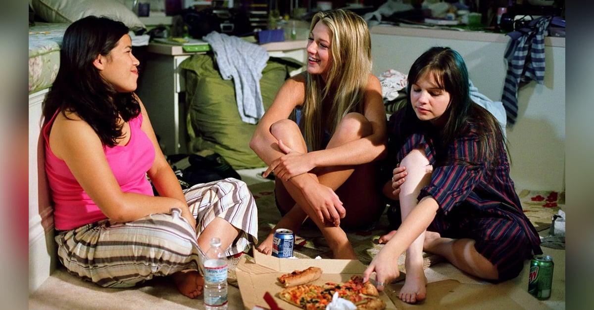 b3b3836713 noche de chicas. Una actividad sumamente divertida y entretenida es  organizar una pijamada ...