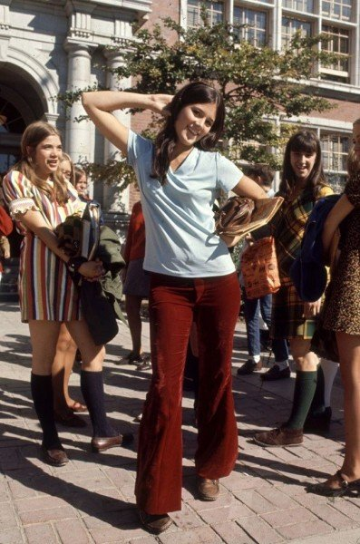 4e18f14ec 15 Prendas que marcaron tendencia en la década de los 60