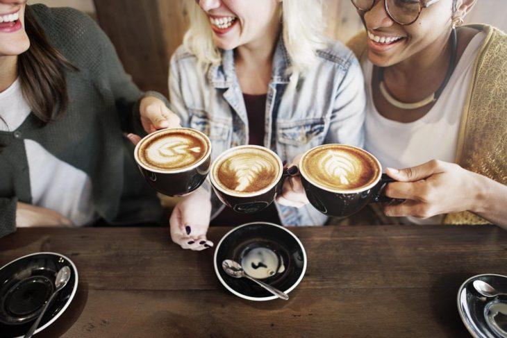 Prefieres un café con las amigas