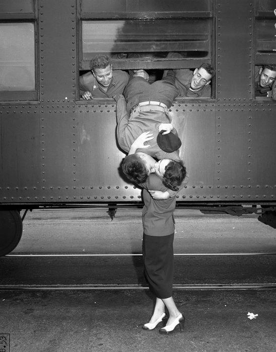 Beso de despedida, guerra de corea l.a. 1950