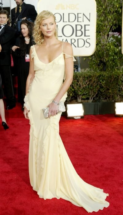 2004 Charlize theron vestido golden globes