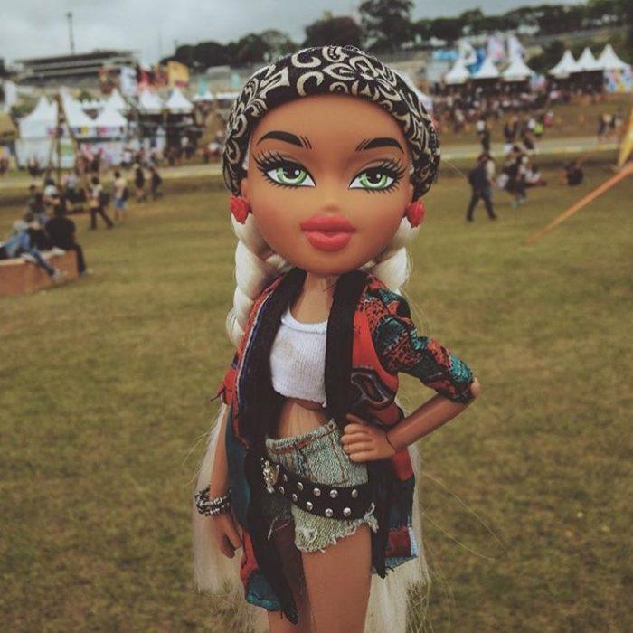 Cuenta de Instagram de Bratz donde posan con distintas prendas de moda