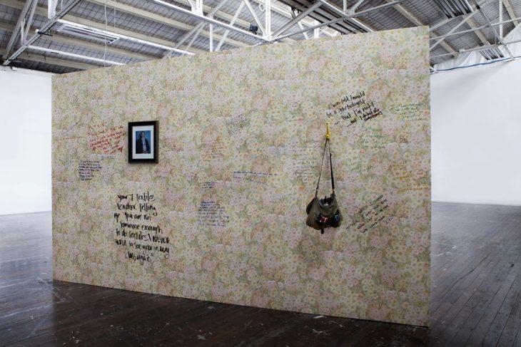 Muro donde las personas pueden compartir las historias de abuso que han sufrido