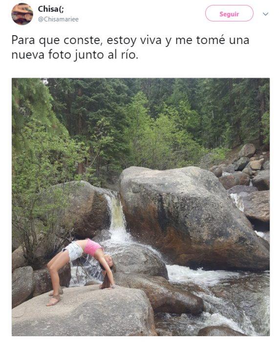 Chica que cayó al rio al hacer una pose de yoga