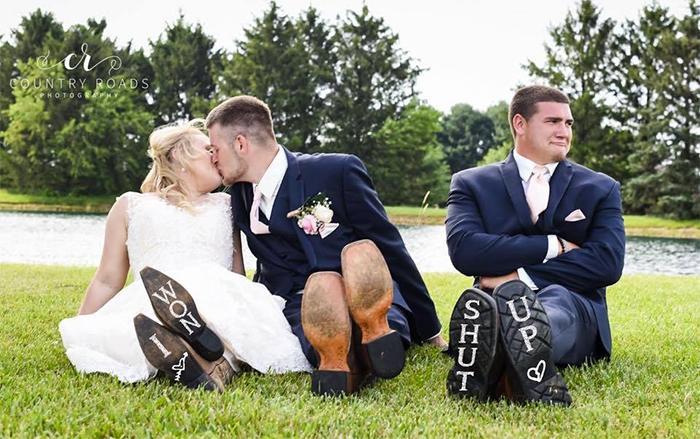 recién casados en sesión de fotos