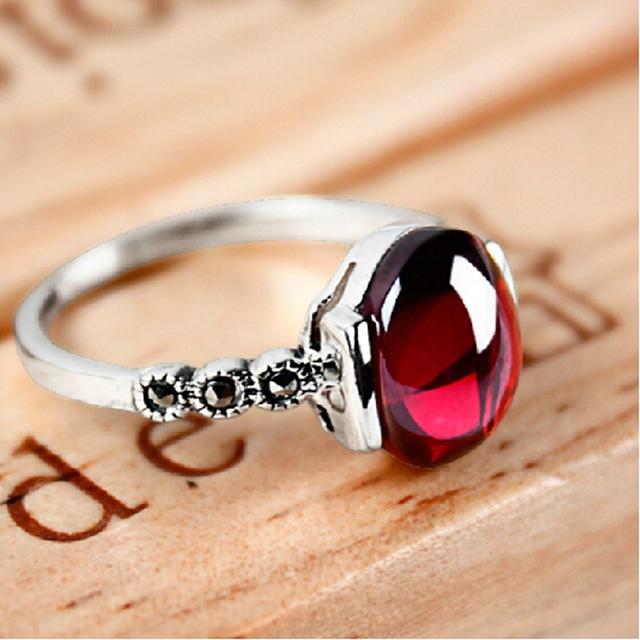anillo de ruby