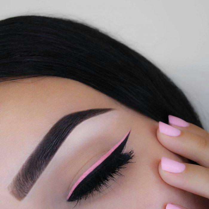 delineado rosa