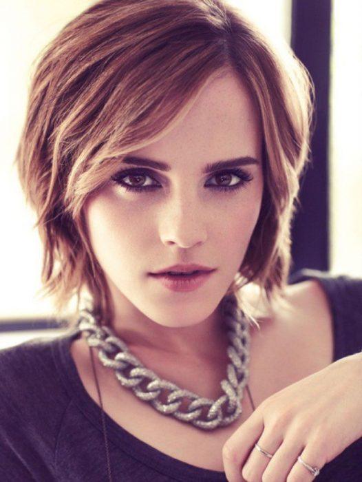 Emma Watson usando un corte pixi largo