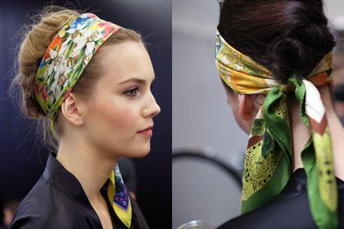chica con pañoleta en la cabeza