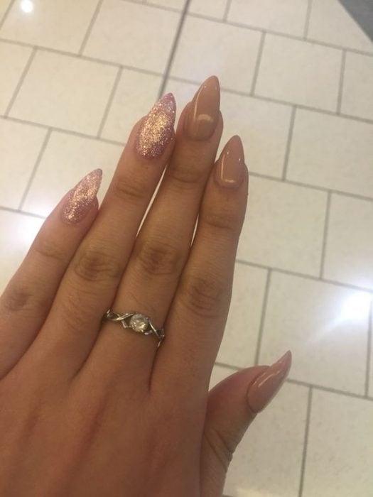 Anillos para manos con uñas largas