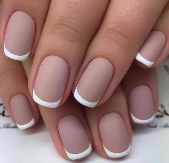 Diseño de uñas french