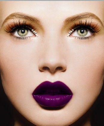 Labios en tono ultravioleta