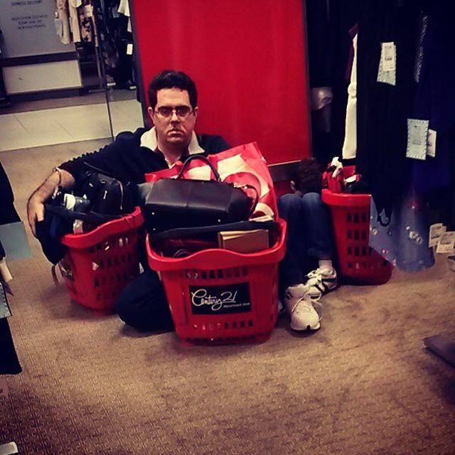 hombres odian las compras