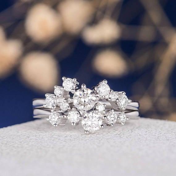 anillo de muchos diamantes
