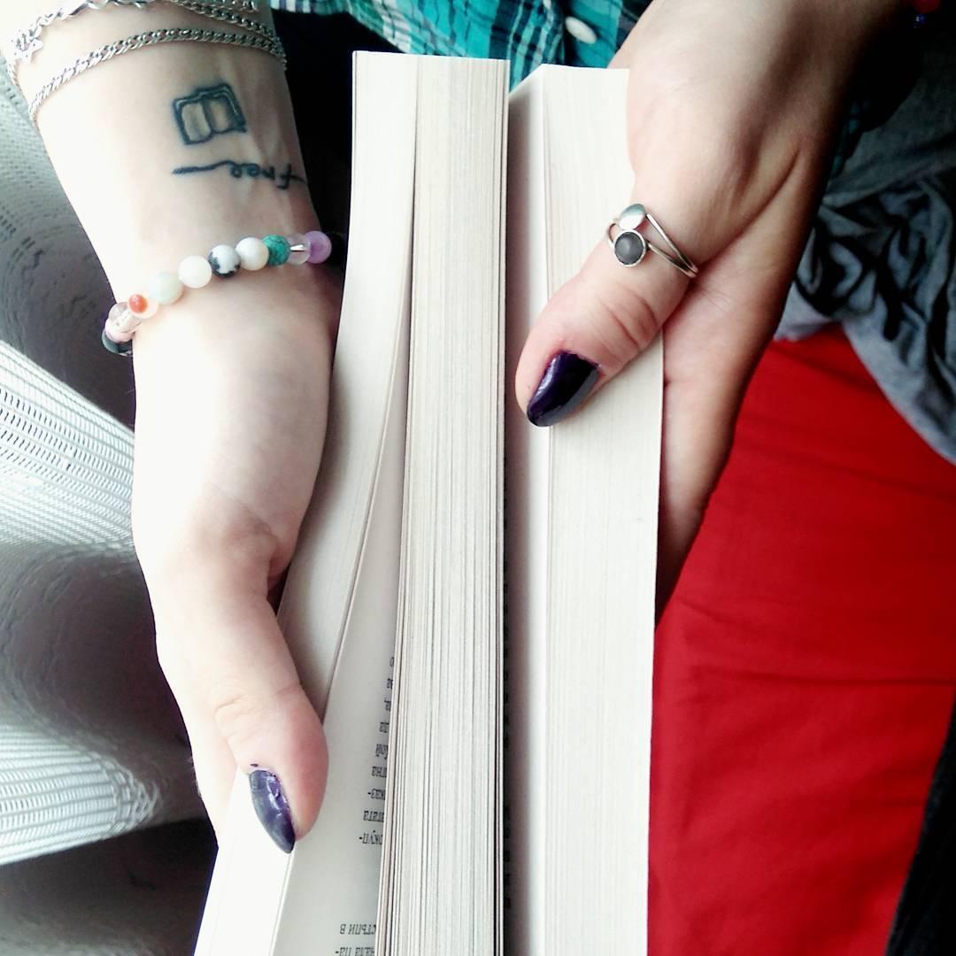 20 Tatuajes Inspirados En El Amor De Toda Chica Por Leer