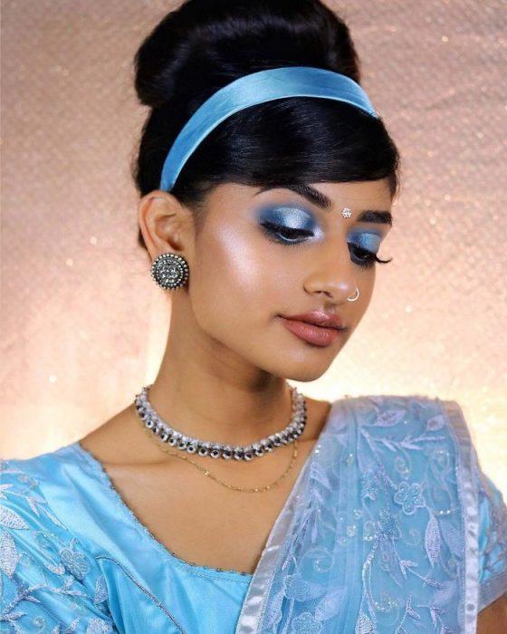 Chica recrea princesas de Disney con prendas de la India