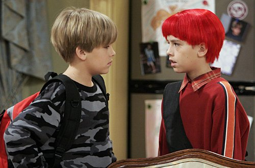 Zack y Cody gemelos en acción