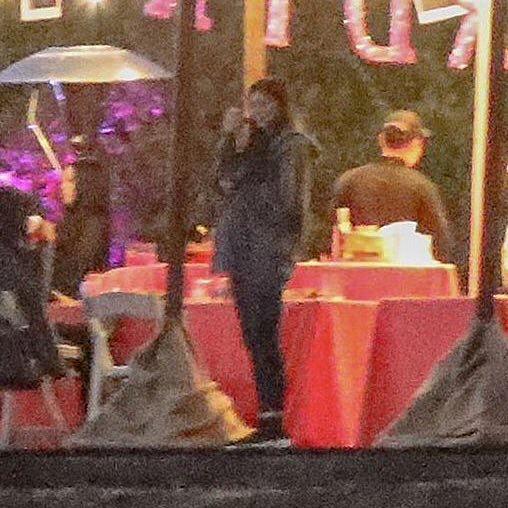 Kylie Jenner embarazada asistiendo a la fiesta de su mejor amiga