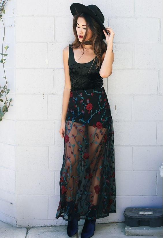 Falda negra en tienda de ropa 1 - 2 part 2