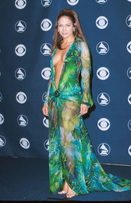 Jennifer Lopez Versace 2000 grammy