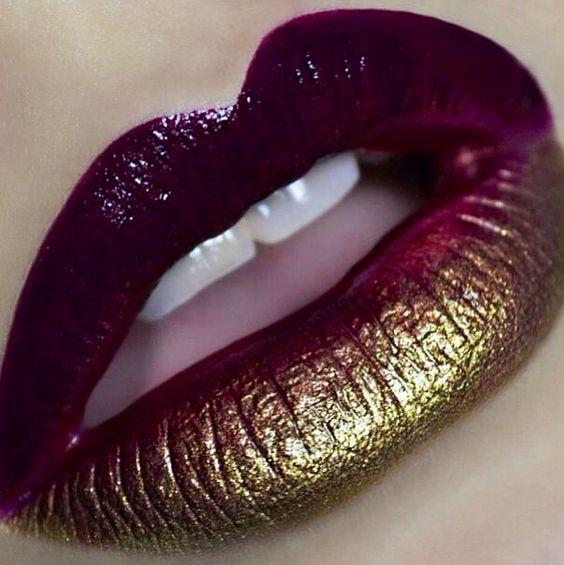Labios maquillados con un gold ombré