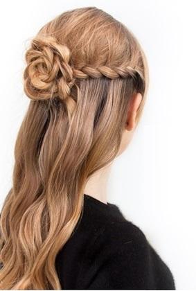 peinado con rosas