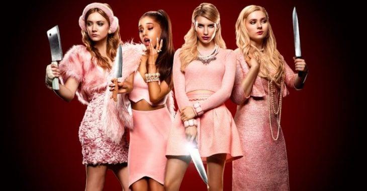 chicas vestidas de rosa