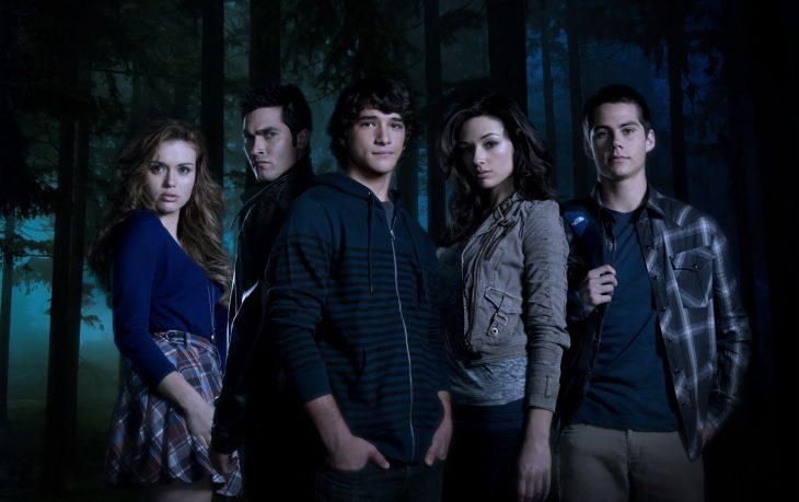 grupo de amigos en el bosque