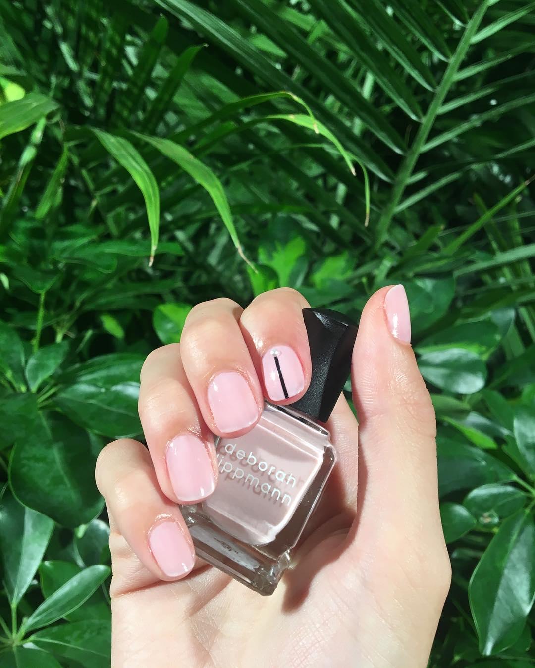 Diseños de uñas con rosa que vas a desear tener este 2018
