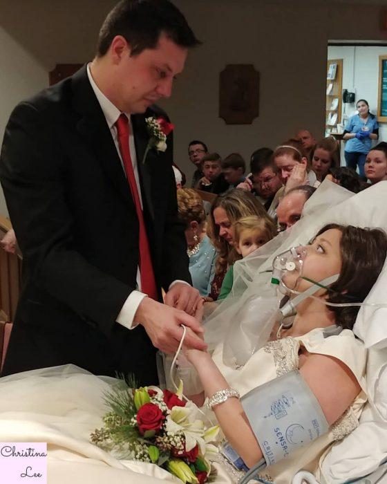 se casa antes de morir