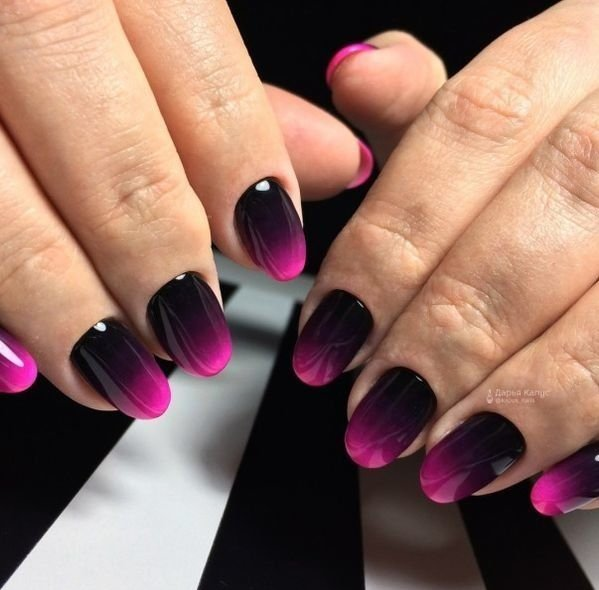 uñas de negro a rosado
