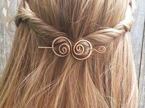 Accesorio para el cabello en forma de broche