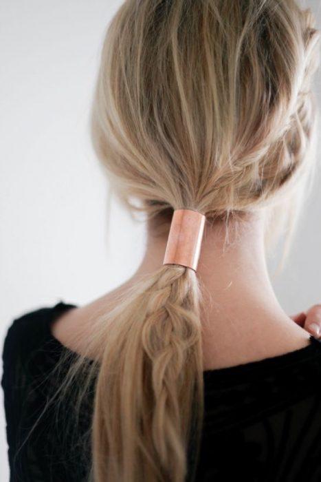 Accesorio para el cabello en forma de tubo