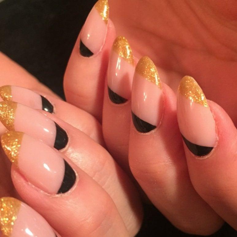 15 diseños de uñas de almendra que necesitas probar ahora