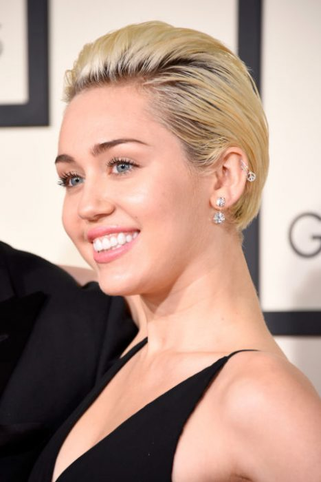 Miley Cyrus usando un cabello pixi