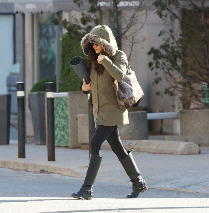 Meghan Markle caminando por las calles