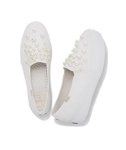 Zapatos con perlas adelante