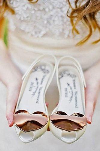 zapatillas con corazones