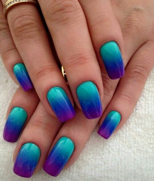 ombre de azul a violeta